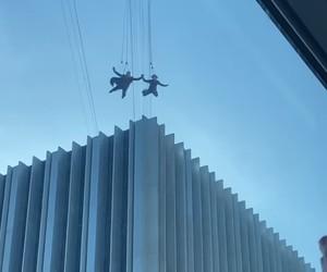 Voo de dublês entre prédios em filmagem de 'Matrix 4' cai na web