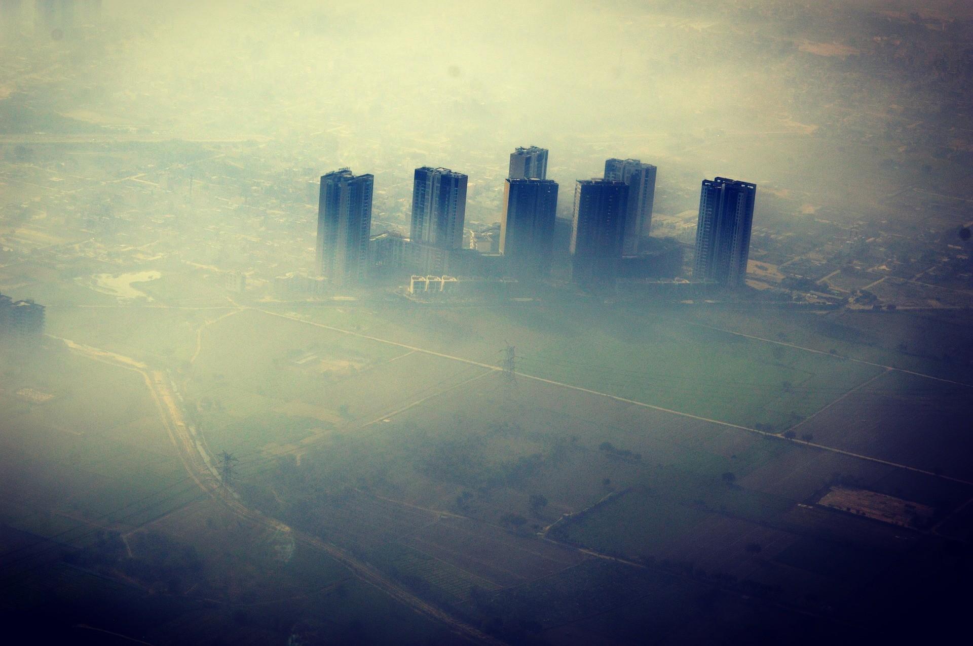 Poluição faz pessoas fugirem de Nova Deli, capital da Índia.  (Foto: Creative Commons / alvipics)