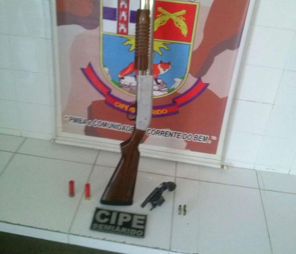 Polícia disse ter encontrado armas e munições com suspeitos na BA (Foto: Divulgação/SSP-BA)