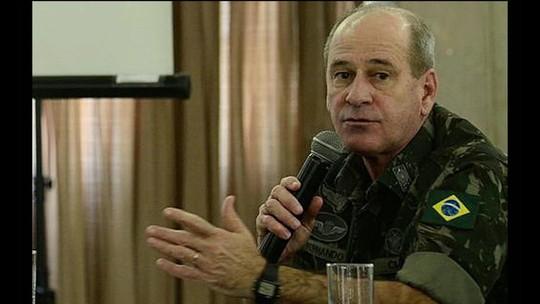 Bolsonaro anuncia general Fernando Azevedo e Silva como ministro da Defesa
