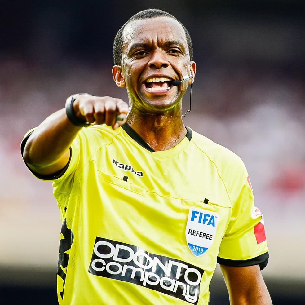 Luiz Flavio de Oliveira, árbitro de São Paulo x Corinthians — Foto: Renato Pizzutto/BP Filmes