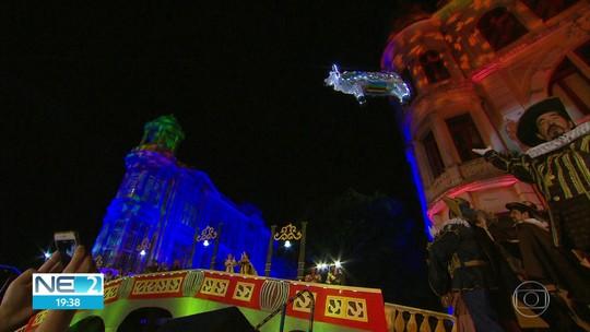 Recife recorda domínio holandês com 'Boi Voador' e encerra comemorações dos 482 anos da cidade