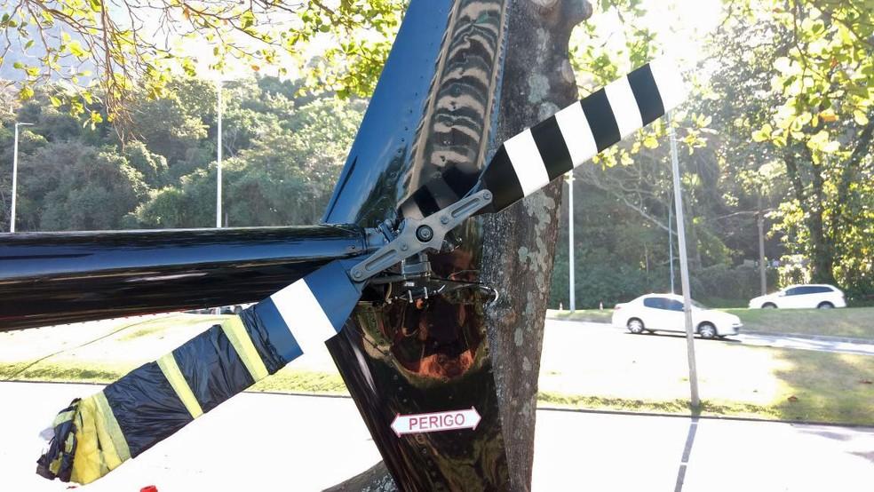 Rotor na parte traseira do helicóptero teria sido atingido por tiro (Foto: Marcos Serra Lima/G1)