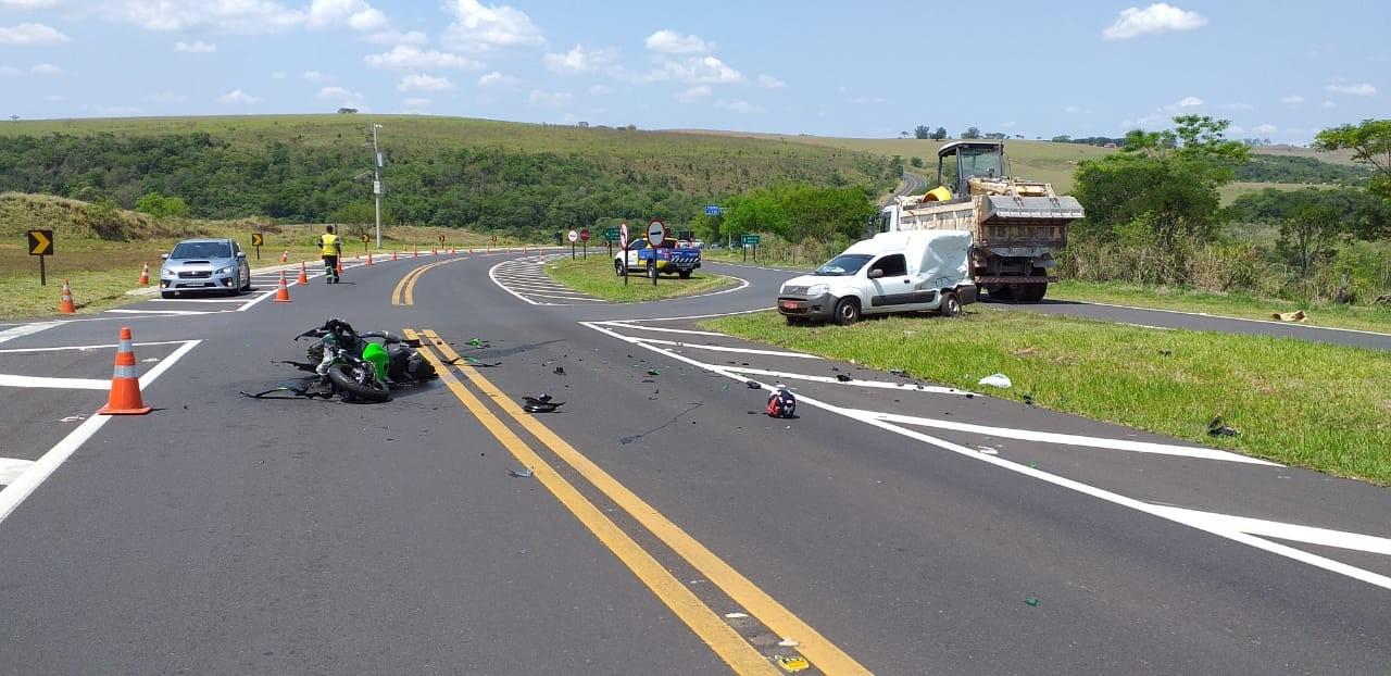 Motociclista morre após bater na lateral de carro em rodovia de Oscar Bressane - Notícias - Plantão Diário