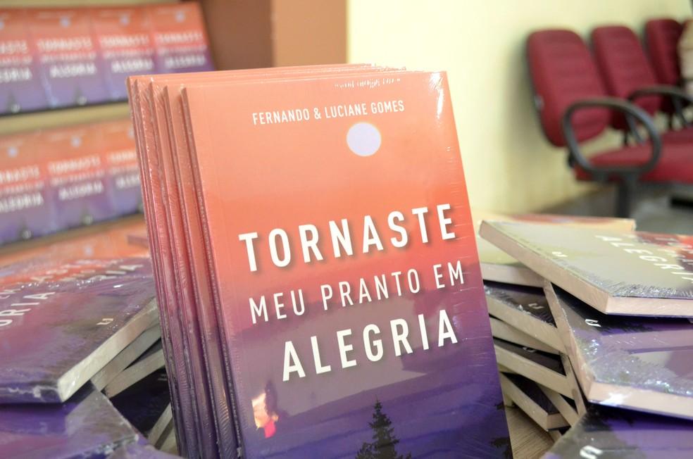 'Tornaste meu pranto em alegria' foi lançado neste sábado (14), em Macapá (Foto: Fabiana Figueiredo/G1)