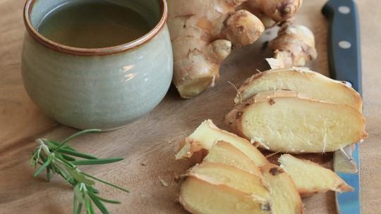 Receita de chá para desinchar simples de fazer
