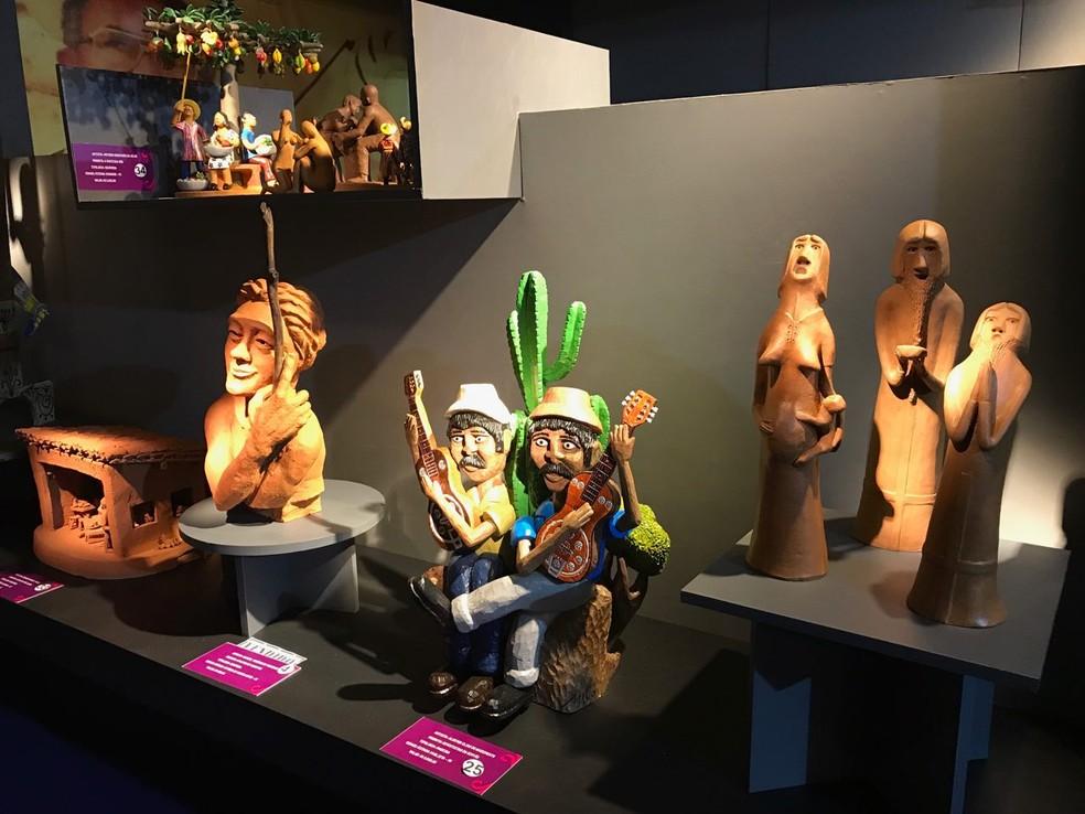 Ao todo, salões de arte popular e arte sacra da Fenearte reúnem 140 obras selecionadas por curadores (Foto: Penélope Araújo/G1)