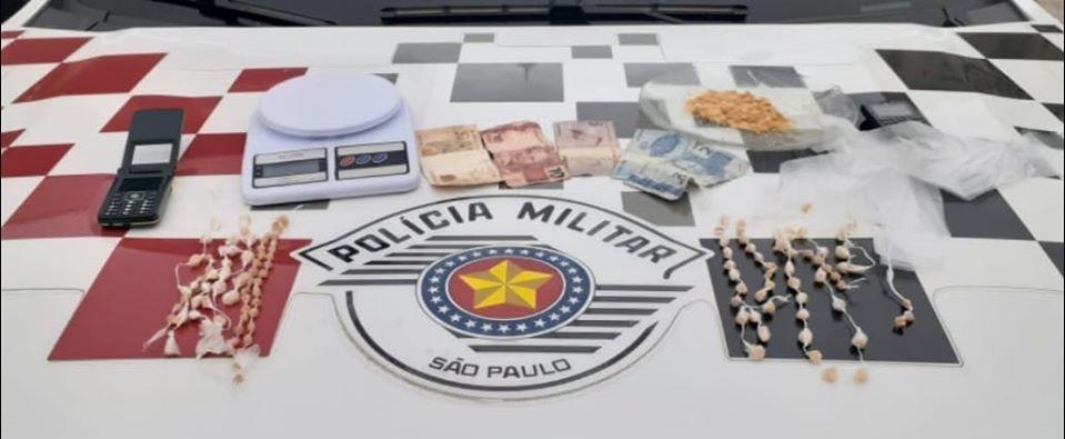 Dois são presos por tráfico de drogas em Caraguatatuba