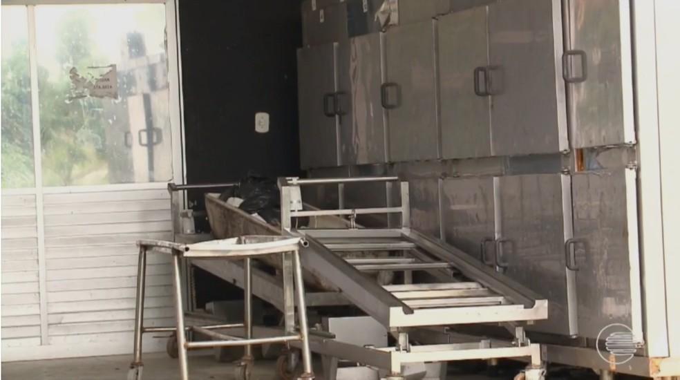 Corpos estavam sendo conservados nas geladeiras do IML em Teresina (Foto: Reprodução/TV Clube)