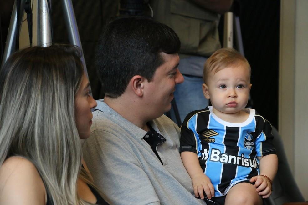 Teodoro, sobrinho de Lucas Silva, já com a camisa do Grêmio — Foto: Eduardo Moura