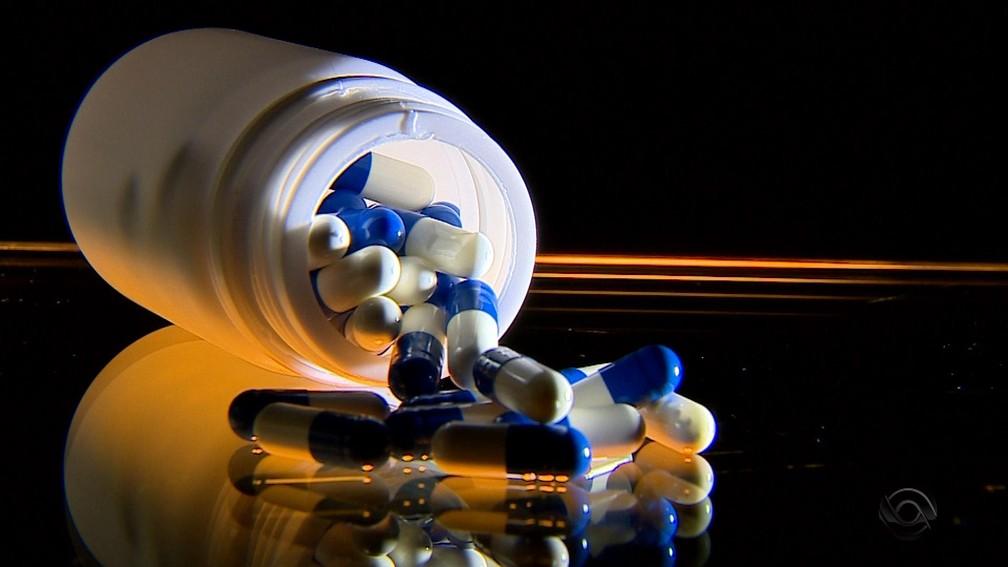 -  Fosfoetanolamina gera polêmica e é conhecida popularmente como pílula do câncer  Foto: Reprodução/RBS TV