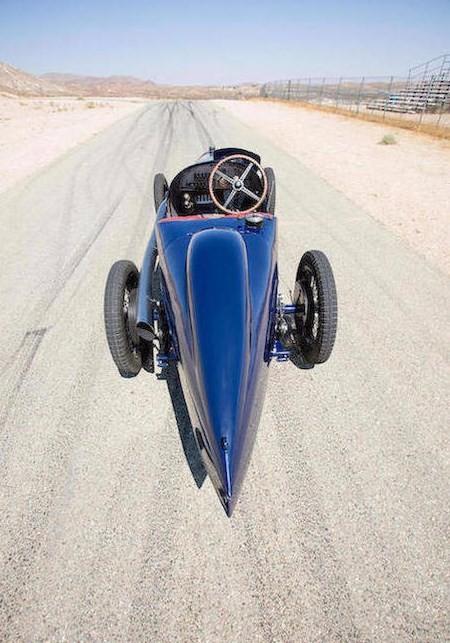 O carro é mais rápido que modelos atuais da Peugeot