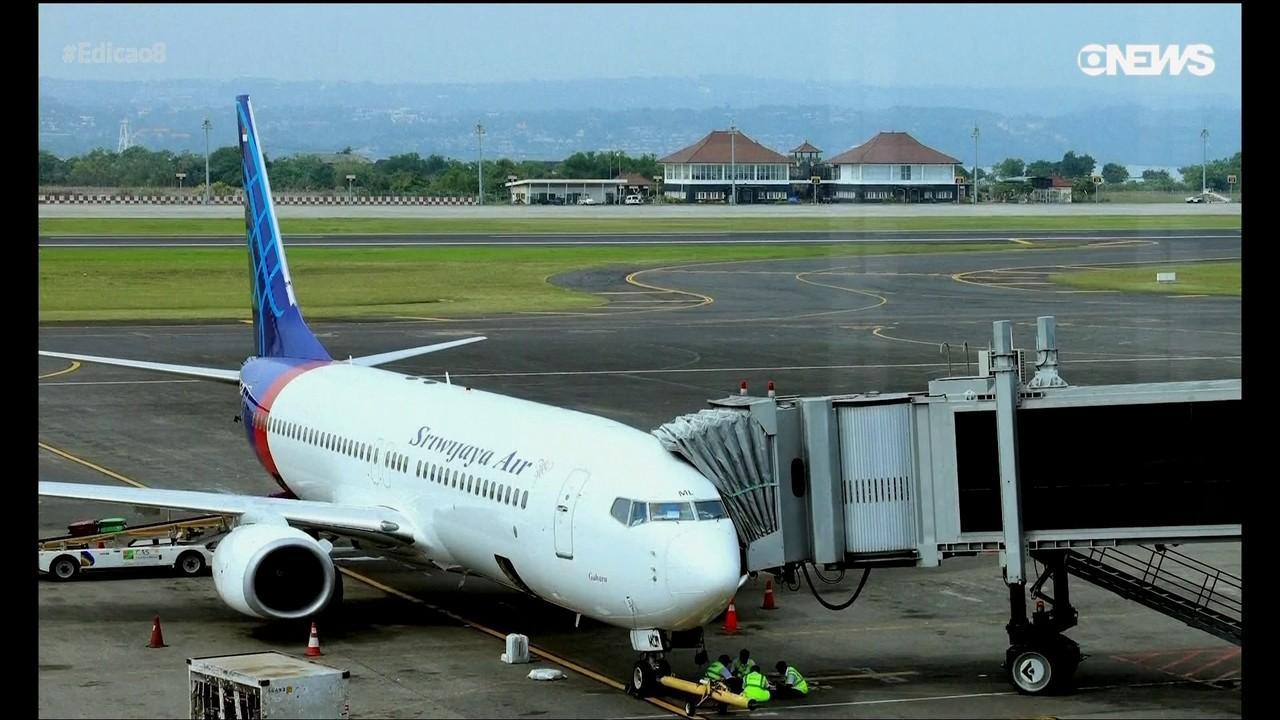Equipe de resgate busca avião que desapareceu na Indonésia