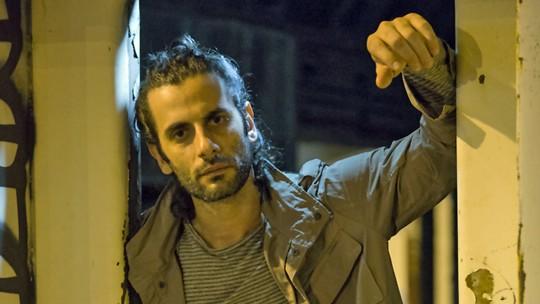 Flávio Tolezani revela ter sido alvo de 'olhar hostil' por causa de Roy