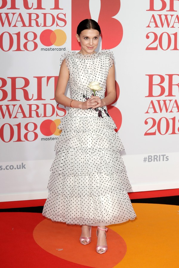 LONDON, ENGLAND - FEBRUARY 21:  *** EDITORIAL USE ONLY IN RELATION TO THE BRIT AWARDS 2018***  Millie Bobby Brown attends The BRIT Awards 2018 held at The O2 Arena on February 21, 2018 in London, England.  (Photo by John Phillips/Getty Images) (Foto: Getty Images)