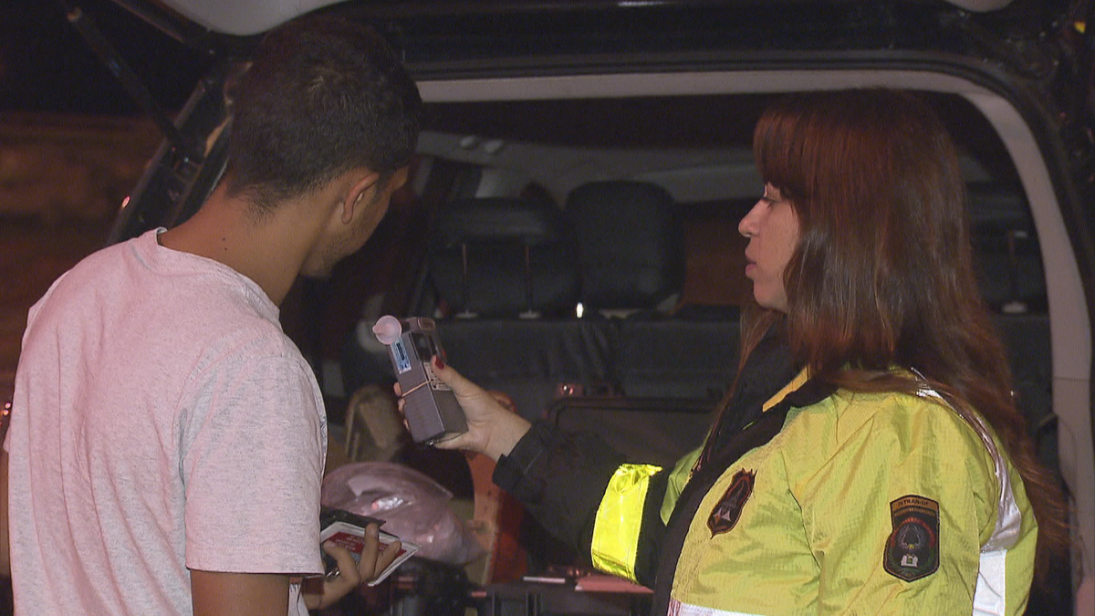 Pagamento de fiança solta sete em cada dez motoristas presos no DF por embriaguez