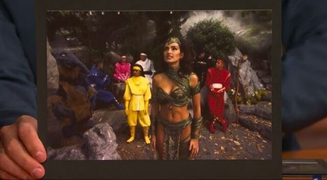 Mariska Hargitay como Rainha Dulcea em 'Power Rangers - O Filme' (1995) (Foto: Late Night With Seth Meyers)