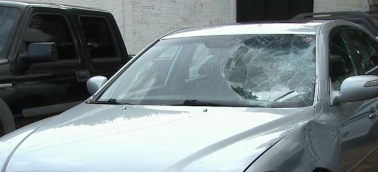Adolescente suspeito de atropelar ciclista se apresenta à polícia, em Cascavel