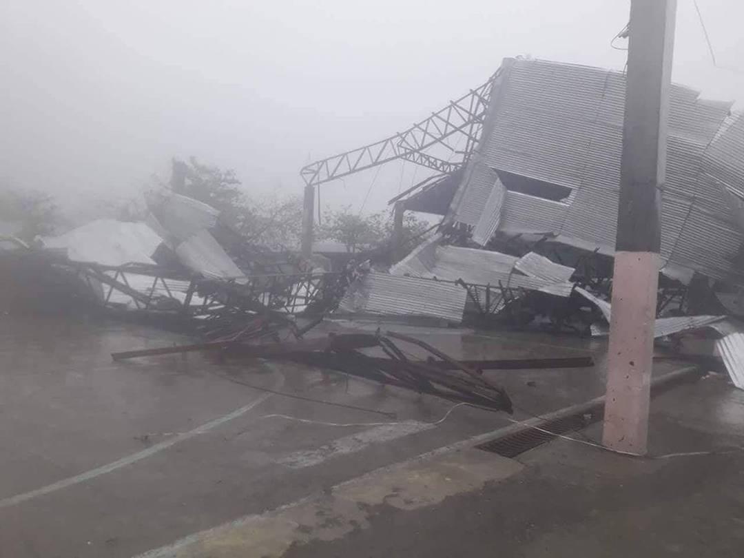 Tufão Mangkhut deixou edifícios destruídos em sua passagem pelas Filipinas