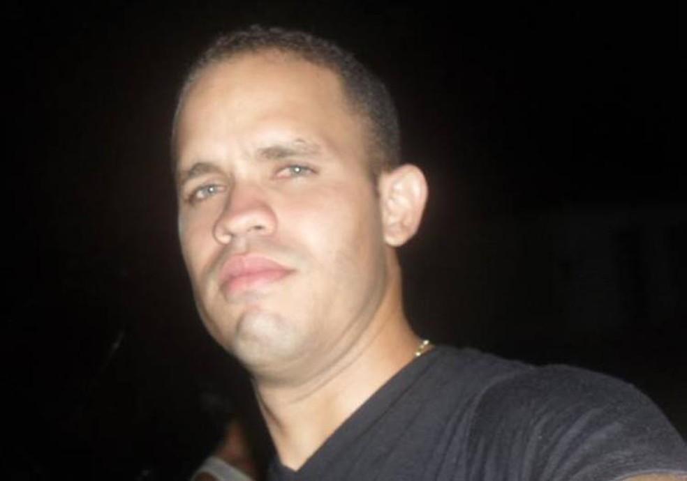 João Paulo Soares dos Santos, 29 anos, foi assassinado com um tiro disparado por um dos assaltantes.  — Foto: Divulgação.