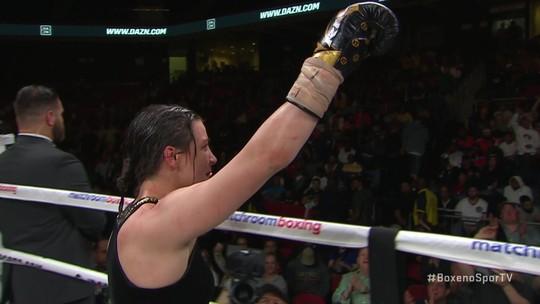 Katie Taylor desbanca Rose Volante e unifica três cinturões dos pesos-leves