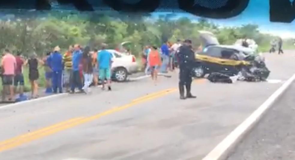 Acidente ocorreu na BR-222, em Frecheirinha, no Ceará (Foto: Reprodução)