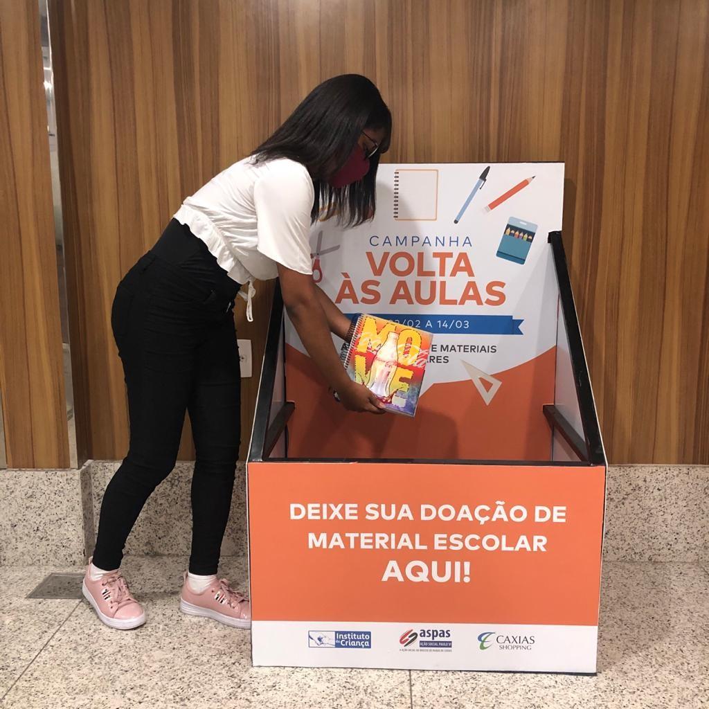 Shoppings do RJ fazem campanha para apoiar estudantes da rede pública com materiais e acesso à internet