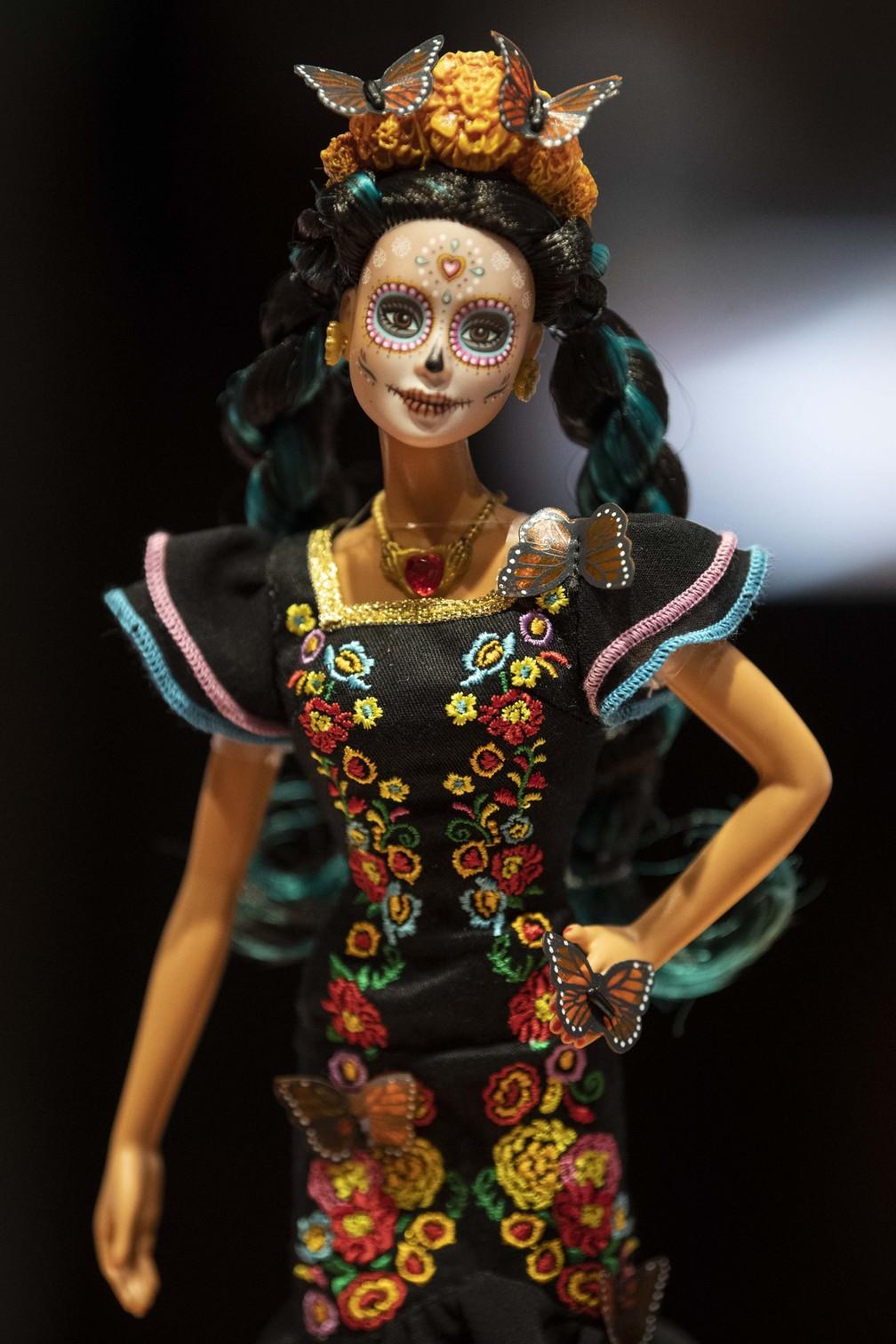 Edição especial da Barbie para o Dia dos Mortos custa cerca de R$ 367 — Foto: Pedro Pardo/AFP