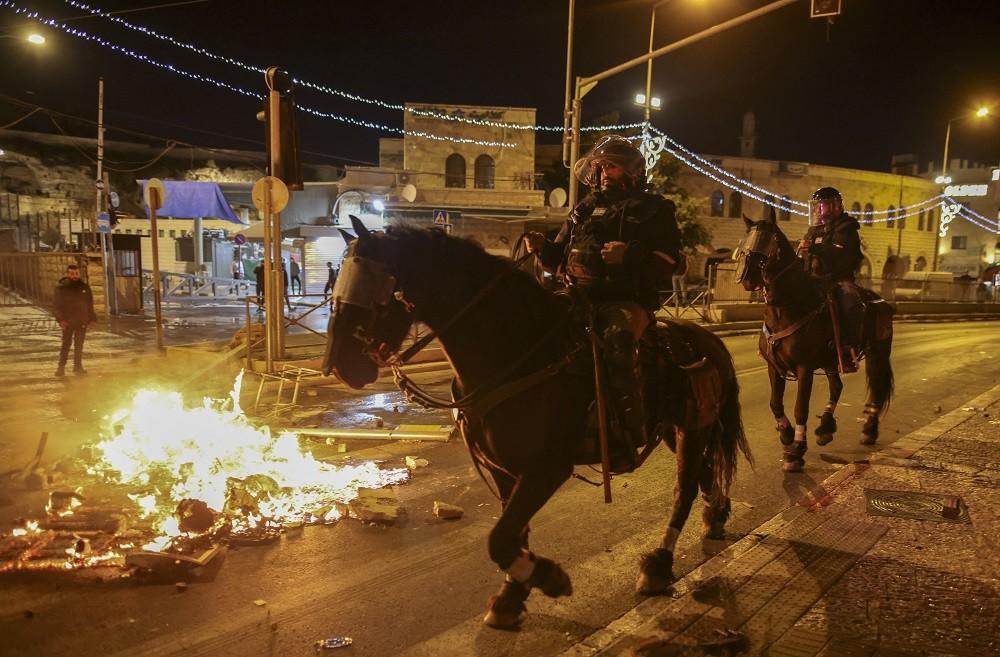 Confronto entre manifestantes e policiais em Jerusalém deixa feridos