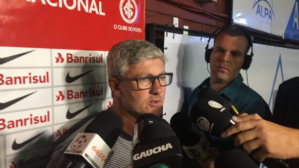 Odair elogia a atuação do Inter, mesmo com derrota no Centenário (Foto: Marcos Westermann / RBS TV)