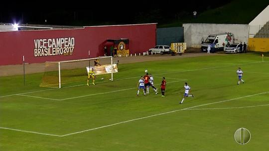 Max festeja primeiro gol pelo Globo FC e espera que lesão não preocupe