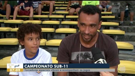 """Perto da aposentadoria, Eduardo vira """"paizão coruja"""" e torce pelo filho no Piauiense sub-11"""