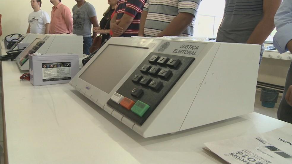 Mais de 100 mil eleitores do Acre deixaram de comparecer à urnas neste domingo — Foto: Reprodução/Rede Amazônica Acre