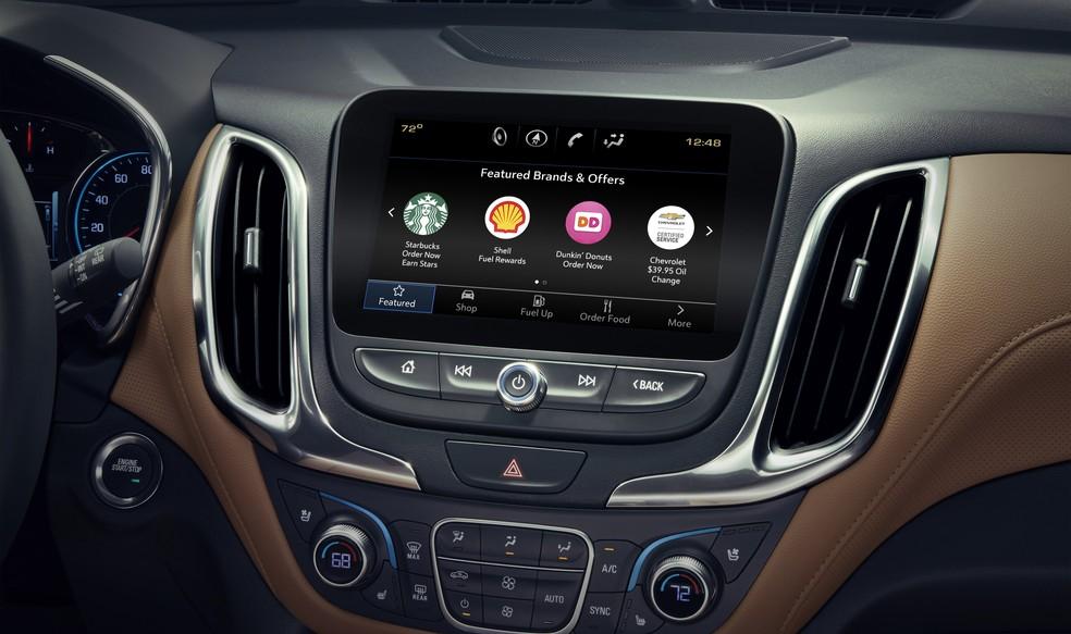 GM inclui app para pedir comida e fazer compras pela tela do carro nos EUA