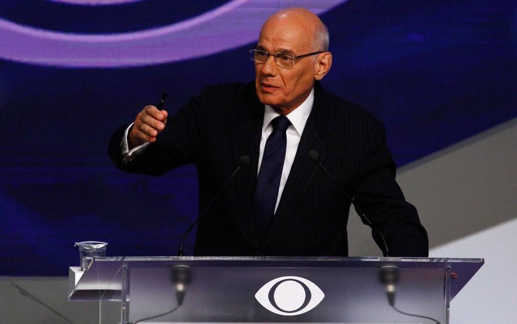 Nesta imagem de 2018, Ricardo Boechat faz a mediação do debate entre os candidatos à Presidência — Foto: Aloisio Mauricio/Fotoarena/Estadão Conteúdo