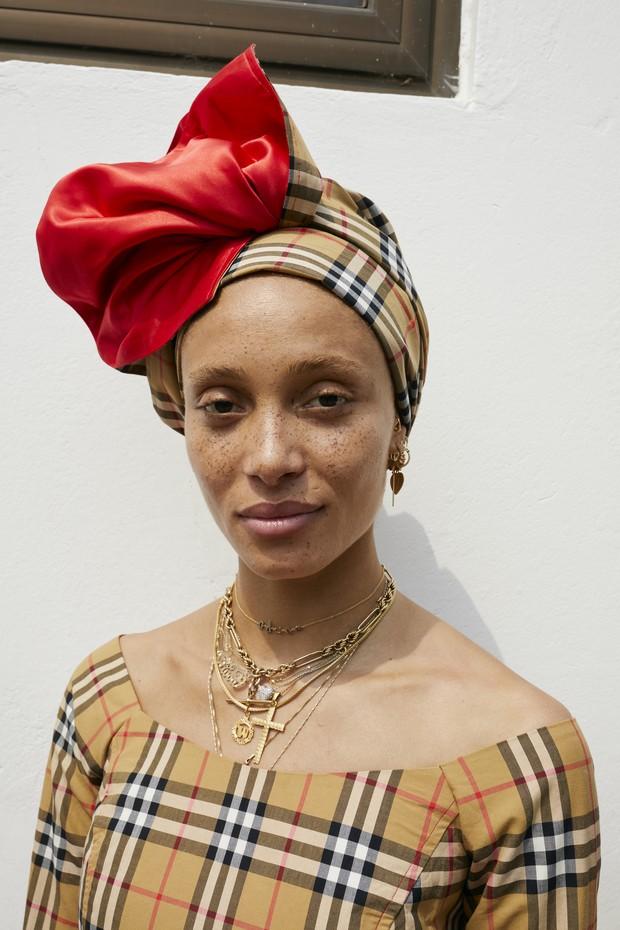 Adwoa Aboah viaja a Gana para novo capítulo com a Burberry (Foto: Divulgação/Juergen Teller)