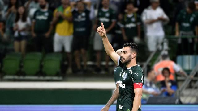 Bruno Henrique comemora gol do Palmeiras contra o Fortaleza