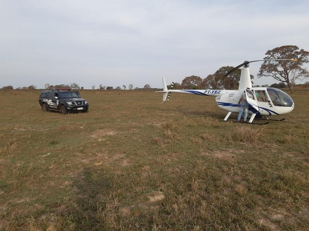 Perícia de MS está no local onde piloto fez pouso forçado — Foto: Polícia Civil/Divulgação