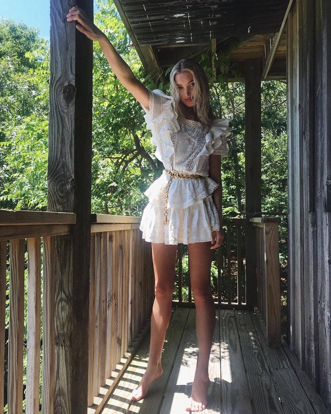 """""""Barbie Feet"""" é a nova pose da moda no Instagram  (Foto: Reprodução / Instagram)"""