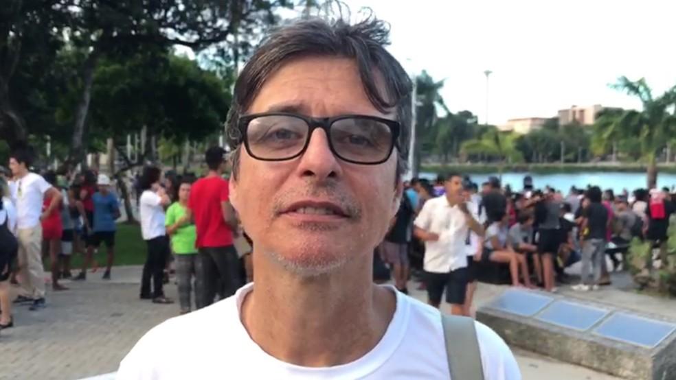 Júlio Américo, presidente da Liga Canábica da Paraíba; seu filho utiliza remédio à base de cannabis (Foto: Walter Paparazzo/G1)