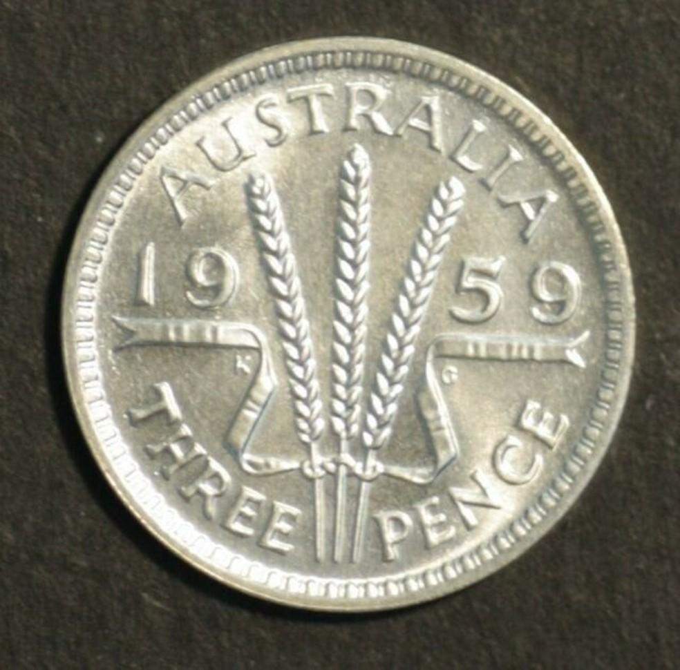 Marie engoliu uma moeda como essa acima, de 16 mm de diâmetro — Foto: Reprodução/BBC