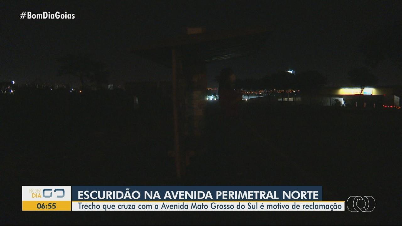 Motoristas reclamam de falta de iluminação na Avenida Perimetral Norte, em Goiânia