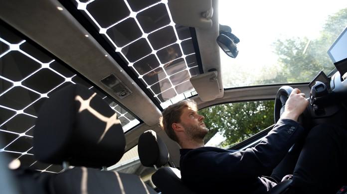 48dcfa1c5a8 Carro elétrico movido a energia solar se recarrega enquanto anda ...