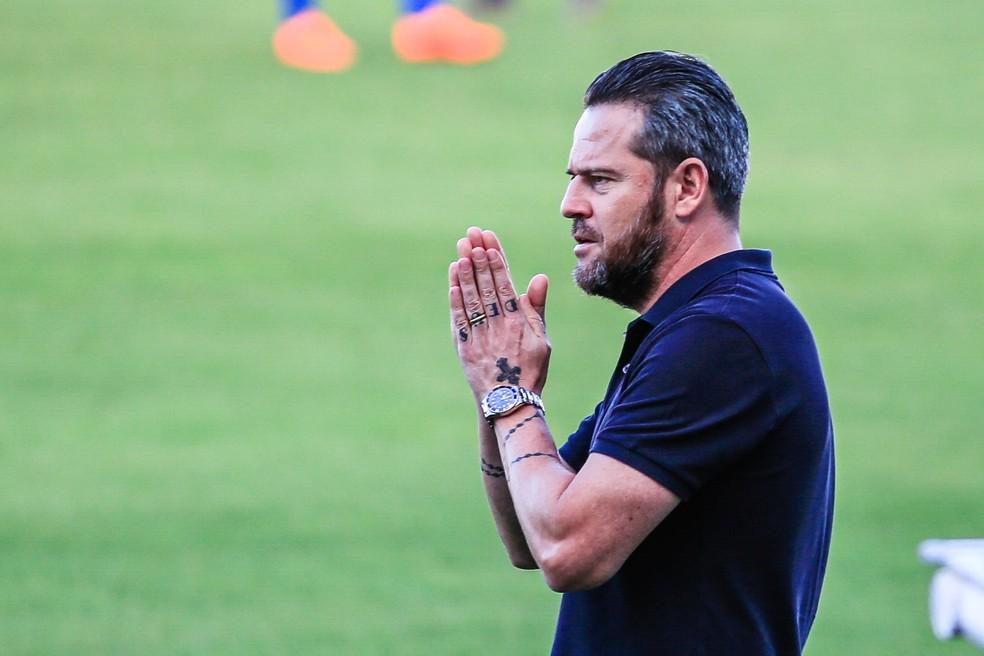Argel Fuchs ficou quatro partidas no CSA — Foto: Ailton Cruz/Gazeta de Alagoas
