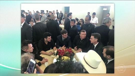 Bolsonaro vai a evento com cantores sertanejos em Brasília
