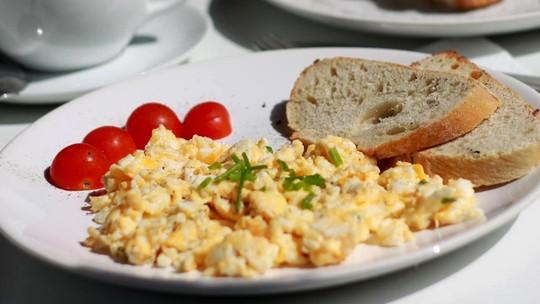 Cardápio do 'BBB21': receitas com inhame e ovos são feitas nas cozinhas VIP e Xepa