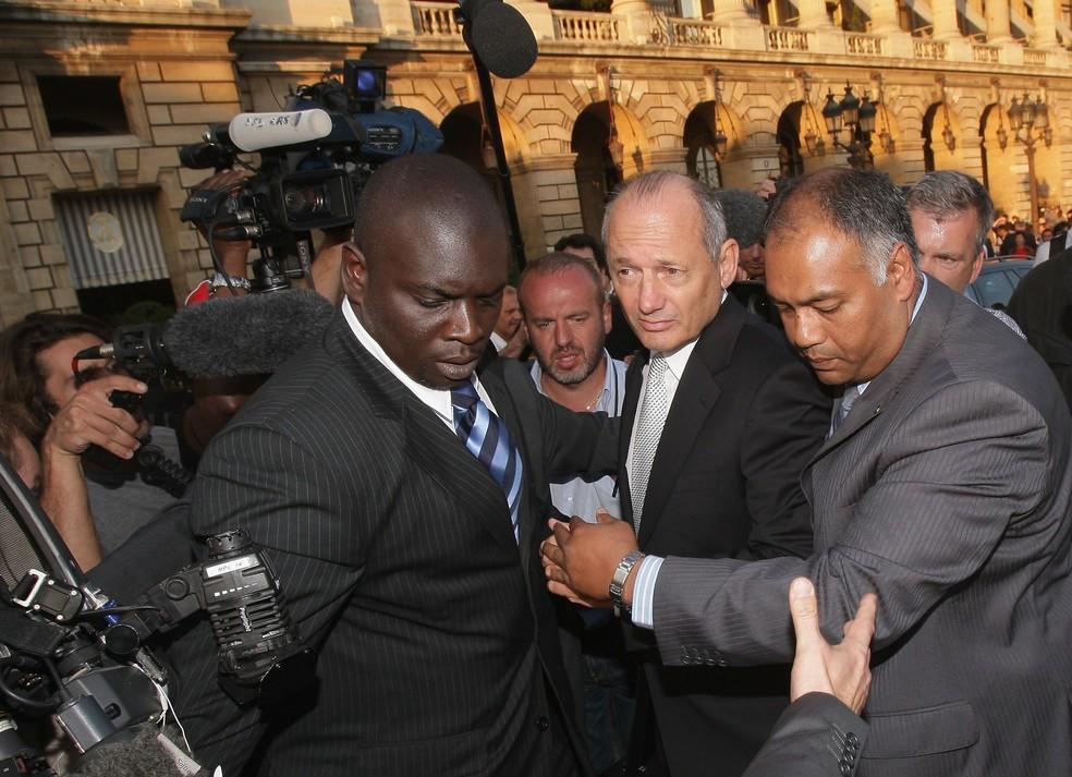 Em 2007, Ron Dennis precisou depôr na justiça por escândalo de espionagem envolvendo McLaren — Foto: Getty Images