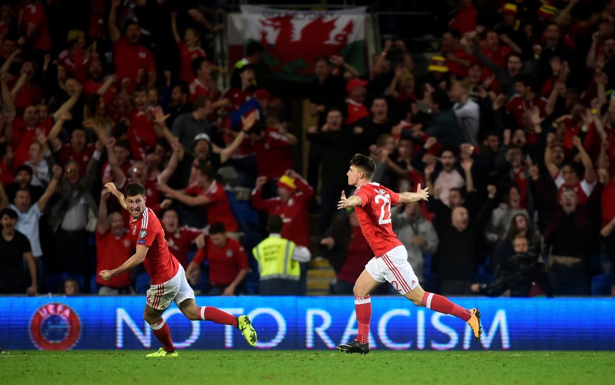 Joia de 17 anos do Liverpool mantém Gales vivo por volta à Copa após 60  anos  bc2c9abaf9210