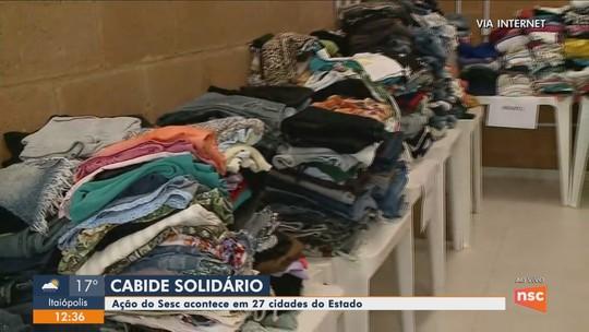 Projeto 'Cabide Solidário' distribui agasalhos em cidades de SC neste sábado
