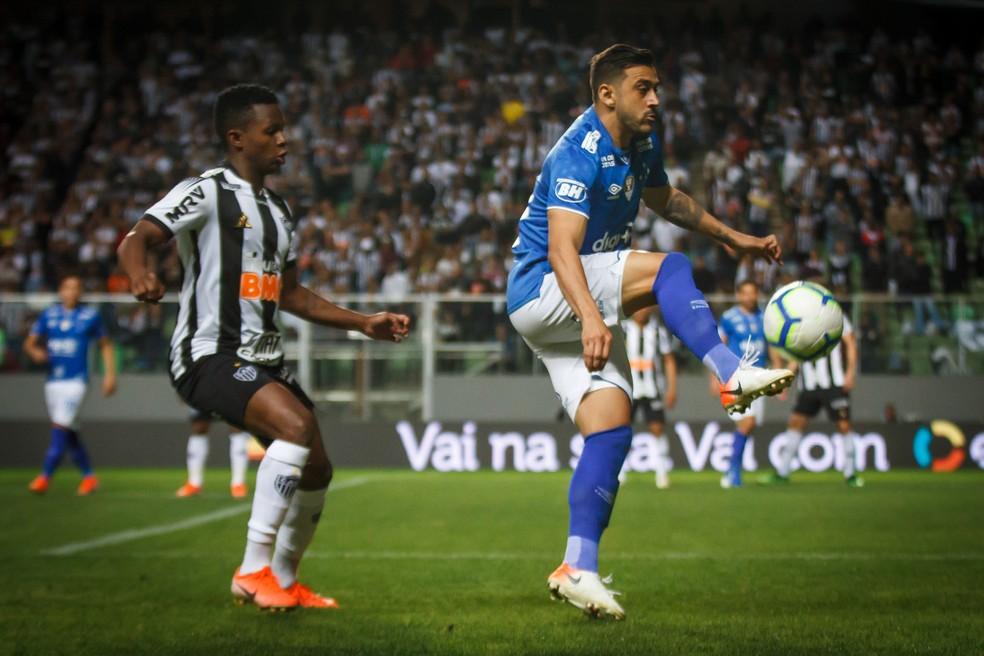 Robinho festeja mais uma semifinal com o Cruzeiro â?? Foto: Vinnicius Silva